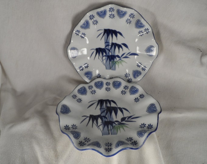 Asian Porcelain Bamboo Plate-Bamboo Pattern Scaloped Edge Fine China Blue and White Bamboo Bowl