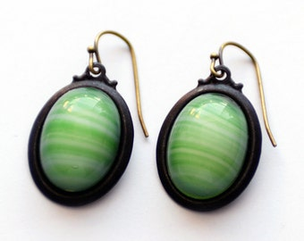 Green and White Striped Glass Earrings, Green Earrings, Minimalist Earrings, Black Brass Earrings, Czech Glass Earrings, Givre Glass, SRAJD