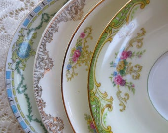 Set of 4 Mismatched Vintage Plates. China Floral Saucers Mix Match, Shabby Chic Bridal Shower. Tea Party Favors. Alice in Wonderland Decor