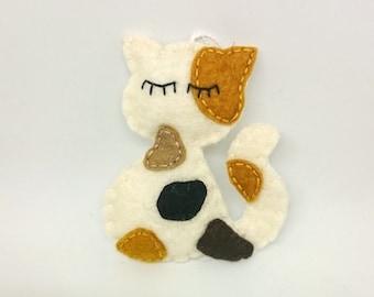Felt calico cat ornament - gift idea for any cat lover!