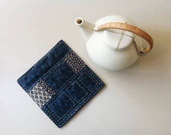 Blue hotpot mat. Coaster. Trivet. Teapot Mat.