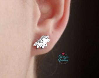 Unicornio pendientes / pendientes unicornio plata / pendientes unicornio magia fantasia / pendientes pequeños unicornio / regalo original