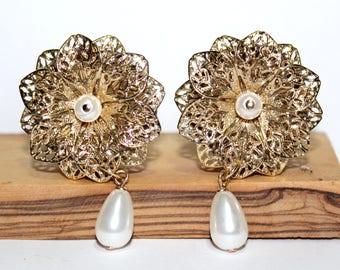 "Classic Gold & Pearl Wedding Plugs 1"" 25mm Dangle OOAK"