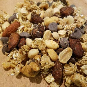 Hickory Trail Mix - 1 lb, great snack, peanuts, granola, smoked almonds, smoked walnuts, chocolate chips, all natural, feed your adventure