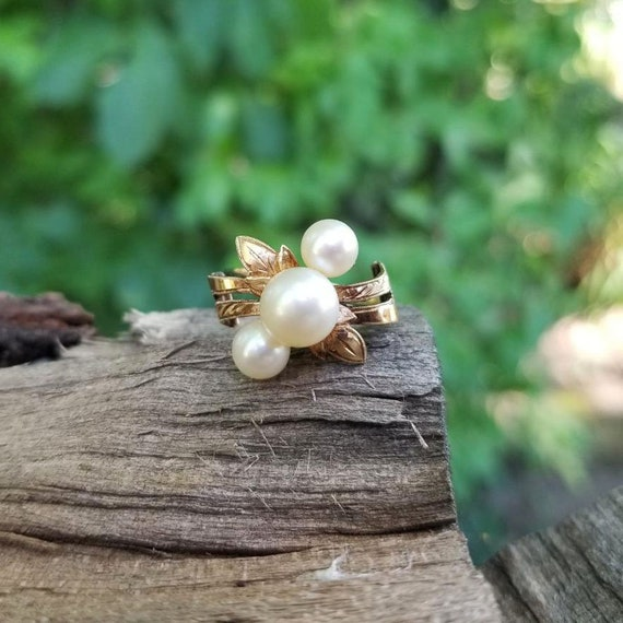 Antique Edwardian 14k rose gold three pearl engraved ribbon bow bypass ring, size 6, bridal, vintage bride