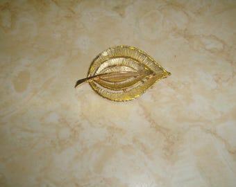 vintage pin brooch goldtone leaf brushed