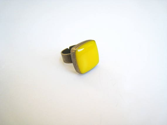 Yellow ring, bronze yellow statement ring, lemon citrine amber canary yellow resin ring, square ring, modern minimalist summer jewelry