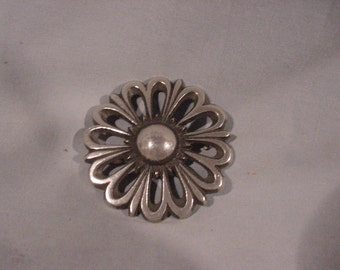Neckless. Dress Pin, Brooches, Daisy Flower Metal Signed BF 09, Sweden