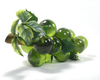 Large Green Lucite Grapes, Green Plastic Grapes, Lucite Grapevine, Mid Century Modern Decoration, Fruit Decor, Bunch of Plastic Grapes
