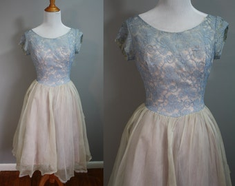 1950's Fable Party Dress // Gray Blue Lace Tiers // XS