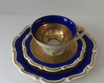 Al-Ka-Kunst Teacup With Quadrefoil Foot, Saucer and Dessert Plate