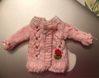 Sweet blomming Blythe doll sweater