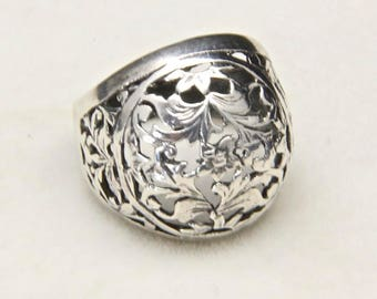 Vintage Sterling Silver with Domed Filigree Cutout Floral Motif Ring Size 6.25