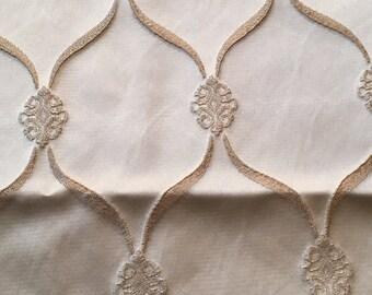 Beautiful Ivory  jacquard fabric with chain link pattern  1 yard