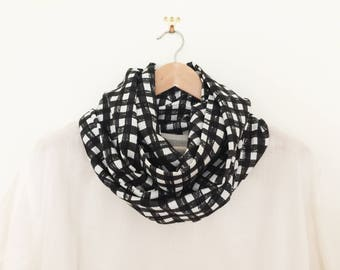 Snood - Infinity Scarf - Loop scarf - Linen scarf - Check print