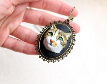 Custom cat portrait, custom pet portrait, custom cat jewelry, custom pet jewelry, personalized cat jewelry, personalized pet necklace
