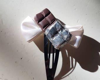 Hairclip chocolate and White Ribbon