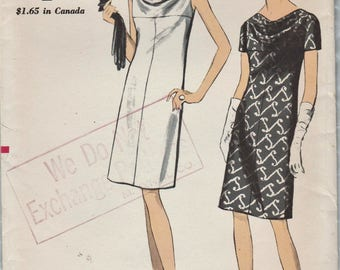 Vogue 7060 / Vintage 1960s Sewing Pattern / Dress / Size 18 Bust 38