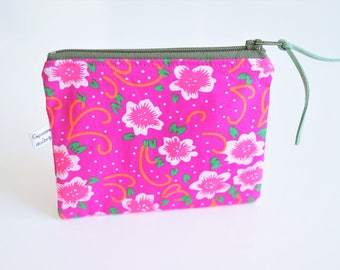 Wallet cotton pink, lined with a solid cretonne and suede, ideal for coins or loyalty cards
