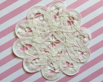 """3pcs 4""""& 5""""wide Off-White Battenburg Lace Doilies