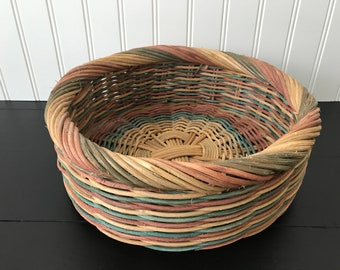 Vintage Wicker Basket, Rustic Centerpiece Bowl, Rattan Basket Wall Decor, Multi Colored Round Basket for Wall Rustic Farmhouse, Boho Chic