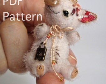 Miniature pig pattern, easy teddy bear pattern, micro piglet sewing pattern, how to make a pig toy, stuffed toy pig diy