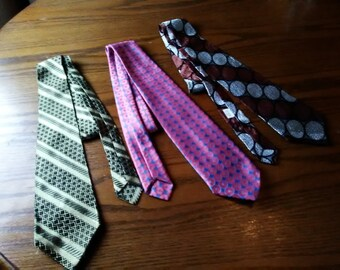 Choice of 1 Vintage Retro Tie