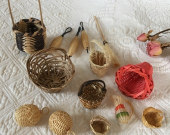 Vintage Miniature Baskets for Doll House. Mini 14 Basket Collection With Broom and Wicker Water Jug. Varying Styles of Mini Baskets.