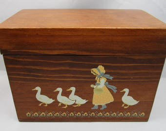 Wooden Recipe or Storage Box | Painted with White Ducks or Geese and a Girl in a Sunbonnet and Yellow Dress | 4 x 6 Recipe Card Box