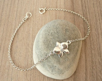 Sterling Silver Flower Bracelet, Tiny Flower Bracelet, Simple Gold Flower Bracelet, Thin Chain Bracelet, 925 Sterling Silver Jewelry