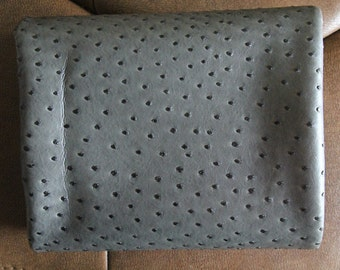 Thick GRAY Ostrich faux leather 70cm, one cut, U10022