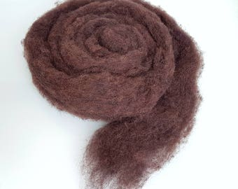 100% Wool fiber for felting, spinning or weaving, Cocoa brown. Carded wool, Fiber carded in roving.