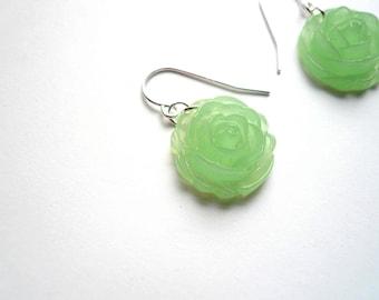 Jadeite earrings Flower earrings Mint green earrings Mint earrings Jadeite dangles Green earrings Sterling silver Light green Jade green