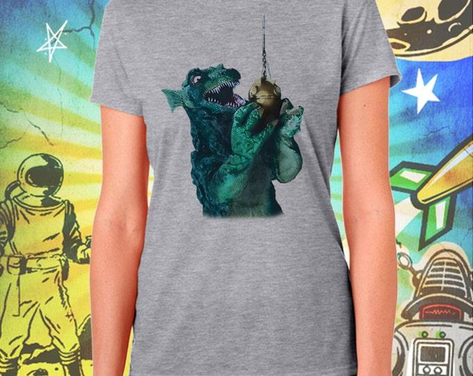 GORGO / Britain's Godzilla Fishing / Women's Gray Performance T-Shirt