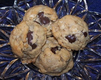 Oatmeal Chocolate Chip Cookies ( 1 Dozen  )