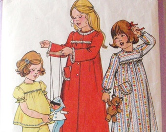 SALE - Child's Nightgown, Pajamas and Robe Vintage Sewing Pattern - Simplicity 8170 - Size Medium (3 - 4), Breast 22 - 23
