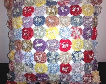 Homespun Prints YoYo Pillow