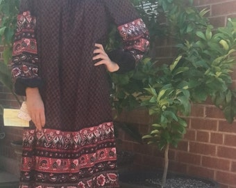 Vintage 1970s New Deadstock Paisley Flora Boho Maxi Dress