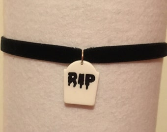 Rip gravestone choker necklace