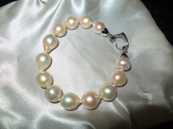 Lovely  genuine   high lustre Kasumi pearl bracelet with heart clasp