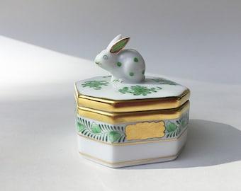 Herend Porcelain Box Small Trinket Box / Ring Box Bunny Rabbit Lid