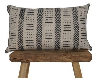 """Authentic African Mudcloth White and Black Patterned Pillow Cover 13""""x21"""""""