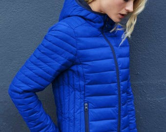 Ladies' hooded lightweight down jacket