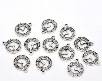 (X 4) antique silver metal clock charm/pendant