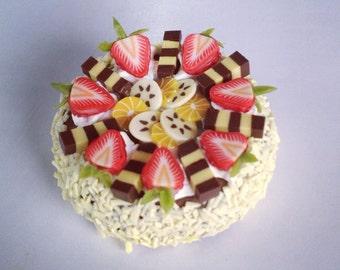 Miniature Cake 1:12 - Series 1 - 005