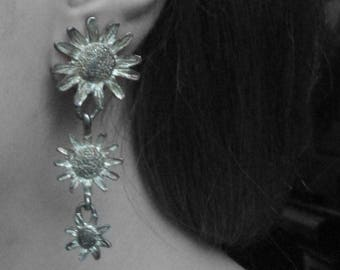 Vintage Sunflower Silver Tone Dangling Clip On Earrings
