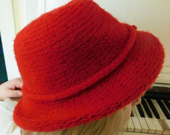 Made in Italy, Chorofiber/Acrylic, Knit Red Hat, Women's Size Medium, Red Hat Society