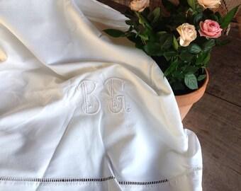 Beau monogramme ancien drap de lin B G initiales C 1900 mariage trousseau dot