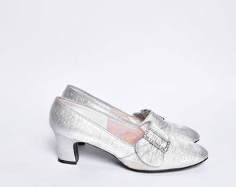Vintage 90's Silver Pumps with Buckles / Silver Metallic Chunky Heels