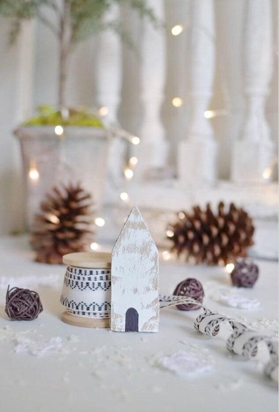 Set of 5 mini chippy nesting house ornaments